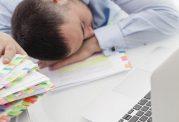 مقابله با خواب آلوده بودن در محل کار