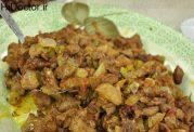 خوراکی از لوبیا سبز و گوشت چرخ کرده