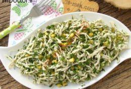 سالاد مرغ ریش ریش شده با سبزیجات