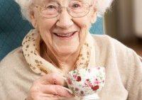 کمک به پیشگیری از پوکی استخوان با نوشیدن چای
