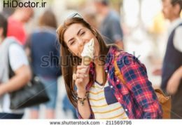 عوارض خوردن غذا در هنگام  تفریح