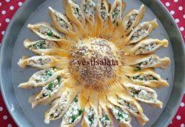 پیراشکی  پنیر و جعفری خورشیدی
