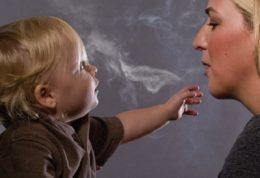 خطر دود سیگار برای دندان ها
