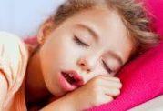 راههای درمانی مفید برای خرخر کردن خردسالان
