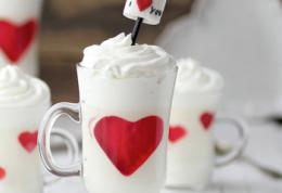 نوشیدنی سرد عاشقانه