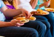 تمایل به غذاهای آماده و فست فودها عامل اضافه وزن
