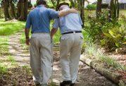 کند راه رفتن افراد سالخورده را جدی بگیرید