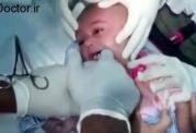 ساعت خوردن این نوزاد