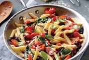 پاستای خوشمزه همراه با سبزیجات
