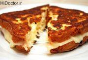 ساندویچ با پنیر موزارلا