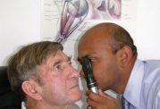 معاینه چشم با افتالموسکوپی مستقیم
