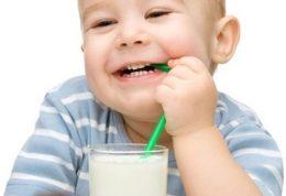 مشاهده حساسیت در اطفال با نوشیدن شیر