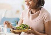 برنامه غذایی مراقبت از کودکان و بزرگسالان