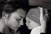 نحوه کمک به فرزند مادر افسرده