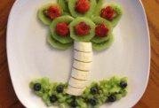 تشویق کودک برای خوردن میوه با این روش ها