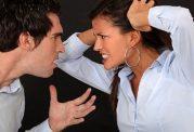 ارتباط برقرار کردن زنان و مردان با اطرافیان