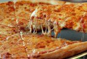 پیتزا خوراکی محبوب اما بدنام