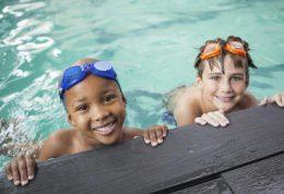 مراقبت از پوست در برابر آسیب های آب استخر