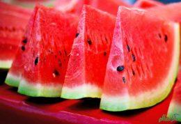 ماسک هندوانه بهترین راه چاره برای لکه های پوستی