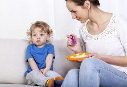 والدین کودکان بد غذا بخوانند