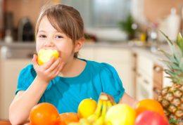 آیا از اهمیت مصرف میوه در کودکان خبر دارید؟