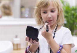 روانکاوی تمایل شدید دختران به آرایش