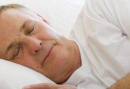 دلایل کم شدن خواب افراد مسن