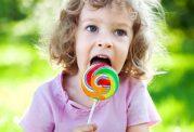 مراقب شیرینی خوردن فرزندتان باشید