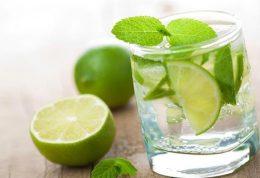 با فواید معجزه آسای آب و لیمو ترش آشنا شوید