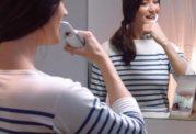 قابلیت فیلمبرداری از دهان حین مسواک زدن با این وسیله