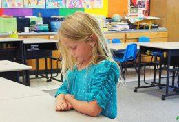 تغییر نیمکت های مدرسه به میز ایستاده
