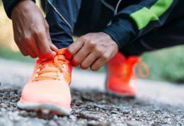 چه موقع زمان تعویض کفش های ورزشی میرسد