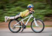 با دوچرخه سواری دنیایی شاد برای خود بسازید