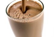 خطرات و عوارض جانبی شیر کاکائو