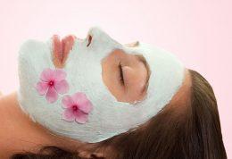 پوستی به شفافیت آینه با ماسکهای طبیعی