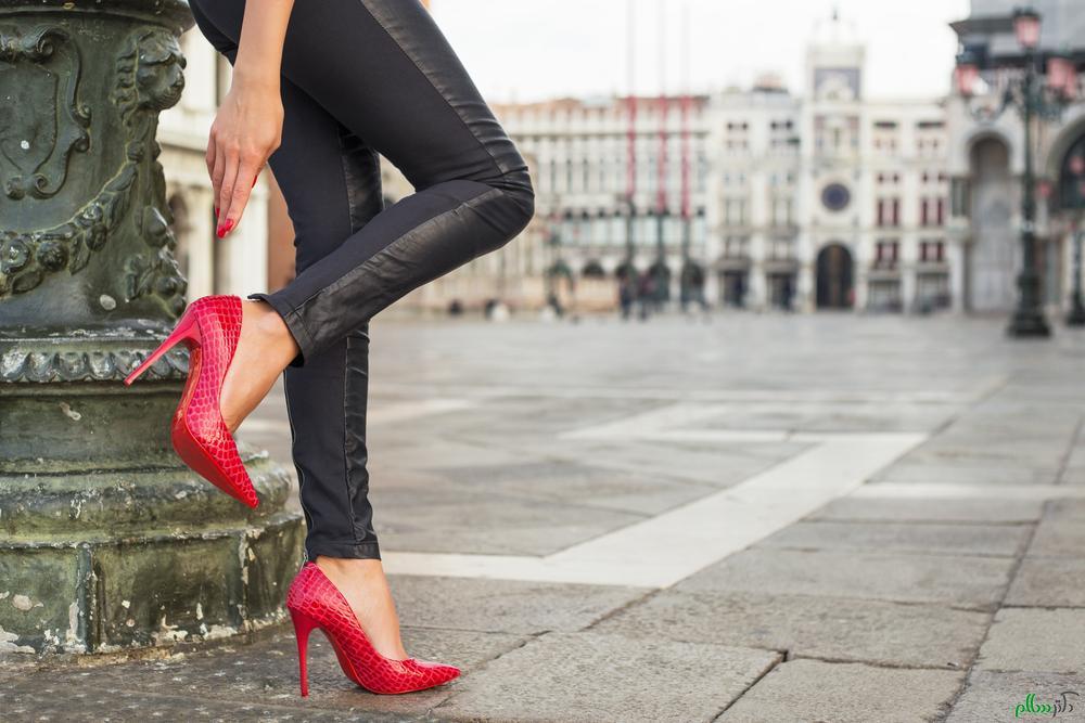 عوارض و پیامدهای پوشش کفش های پاشنه دار