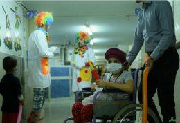 شادی کودکان سرطانی با پزشکان فوق تخصص خنده
