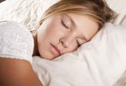 آیا دلیلی برای عرق کردن در خواب وجود دارد؟