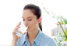 درمان مشکلات بدن با نوشیدن آب