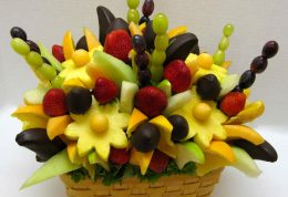 آیا واقعاً لازم است در مورد خوردن بیش از حد میوه، نگران باشید