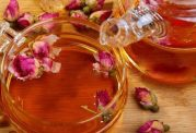 خواص شگفت انگیز چای گل سرخ