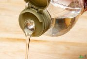 پیامدهای خطرناک مصرف شکر مایع
