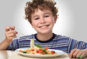 چگونه با غذا خوردن به سلامت مغز کمک کنیم؟