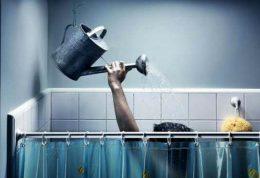 برای کاهش چربی پوست در این ساعات حمام کنید