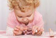 خطرات و عوارض جانبی لاک ناخن برای خردسالان
