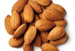 معجزه ویتامین ای و دی بادام برای پوست