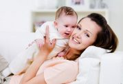 با نوزاد خود ارتباط عاطفی برقرار کنید