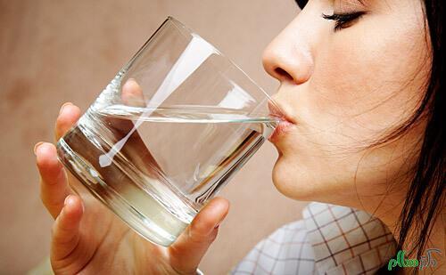 تقویت سلامت پوست با نوشیدن آب