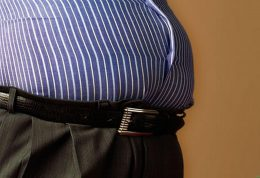 با خوردن این مواد غذایی چاق می شوید