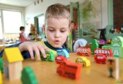 حضور خردسالان در مهدهای کودک